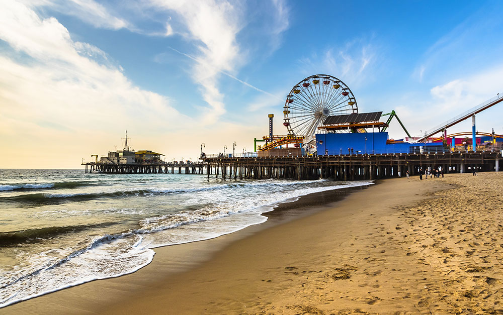 a picture of the Santa Monica pier